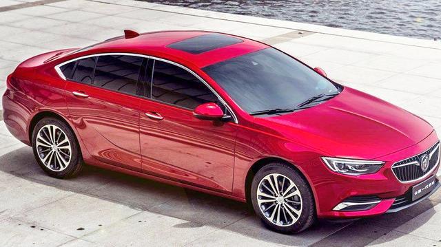 除了帕萨特还可以看它,车身长4米9,配2.0T+9AT,总销量破110000