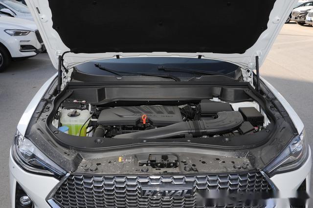 裸车不到15万,大厂出品,油费5毛5,轴距2.7米,还是适时四驱