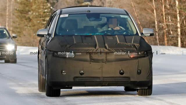 外观细节颇具特色,现代45 EV电动车量产版测试谍照首次曝光