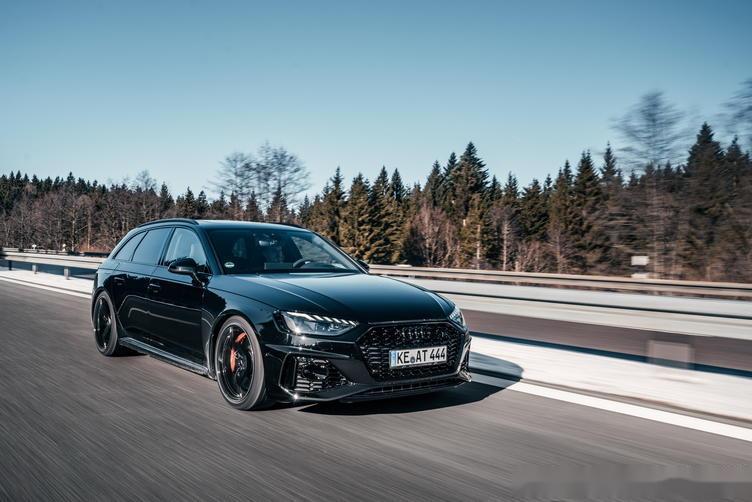 ABT改奥迪RS4 Avant 2.9T发动机动力猛增 熏黑外观太帅气!