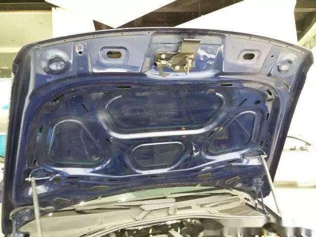 精修大众途锐引擎盖如何判断,两个案例告诉你方法!