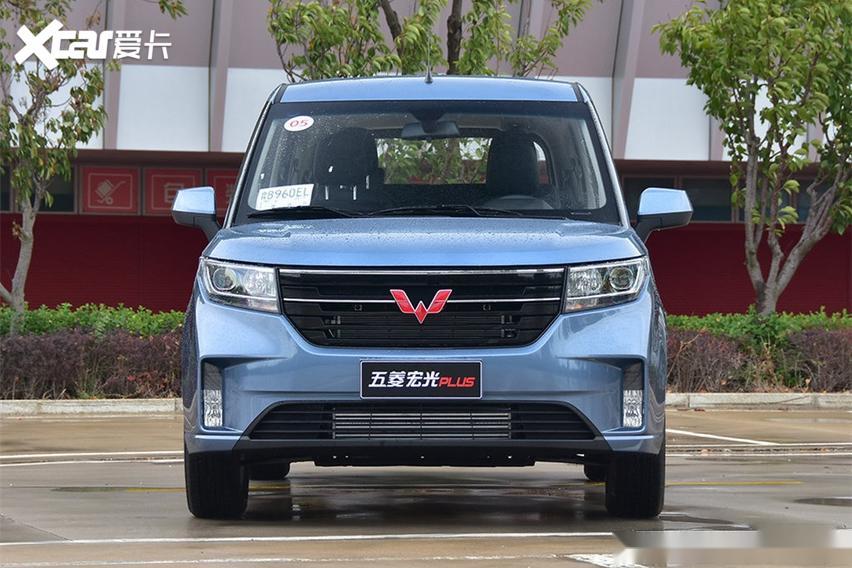 預計12月初上市曝五菱宏光plus五座版_易車號_易車網圖片