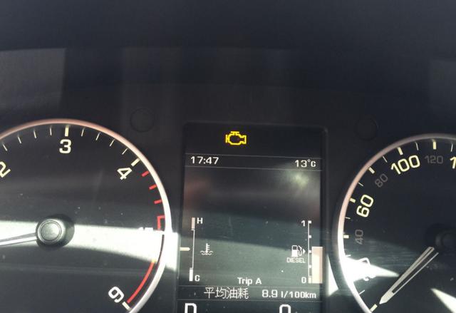 私家车仪表盘这个灯亮了,立刻检修,很多人为此付出生命代价!