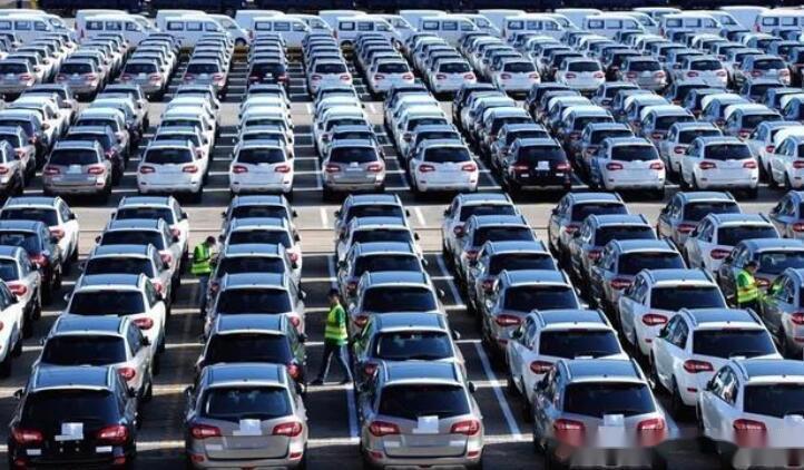 被挤出轿车销量榜,销量跌落神坛,帕萨特还是付出了代价?