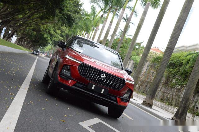 车宽近1.9米,搭载斑马3.0,这款智能SUV只要十万?