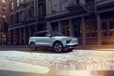 """汽车都有""""充电宝"""", 爱驰U5又是一名30万级纯电长跑好手"""