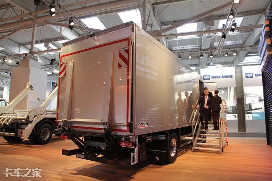 载货车装卸货必备利器,盘点三大热门液压尾板,你更喜欢哪种?