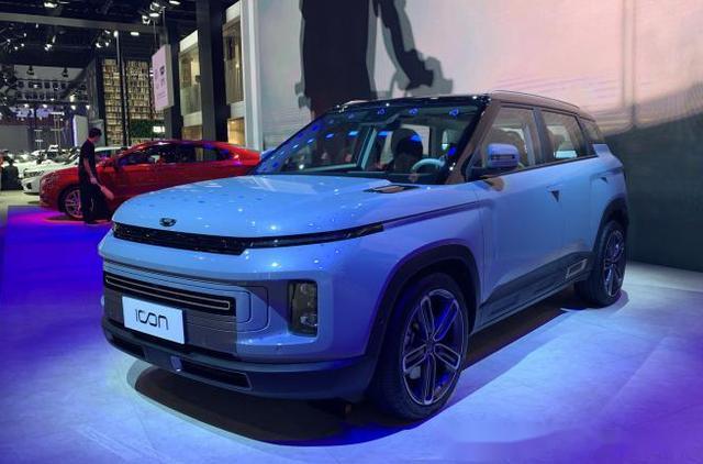 48V微混+硬朗个性设计,吉利新家族SUV即将在线上市