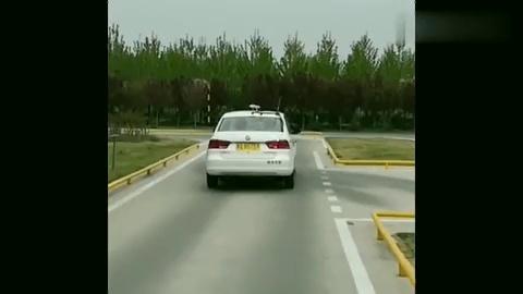 科目二考试过程中,侧方位停车这个环节,出现这种情况要扣五分