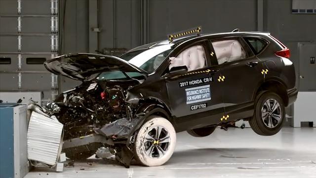 本田CR-V碰撞测试,家用SUV安全性如何?