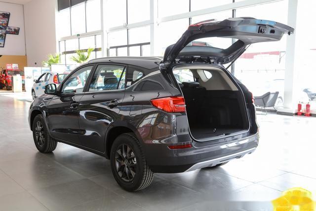 比亚迪宋经典版亮相云车展标配15T+四轮独悬售价699万起