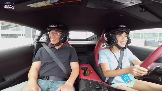 丰田GR车评们黑科技体验,吓到吃手