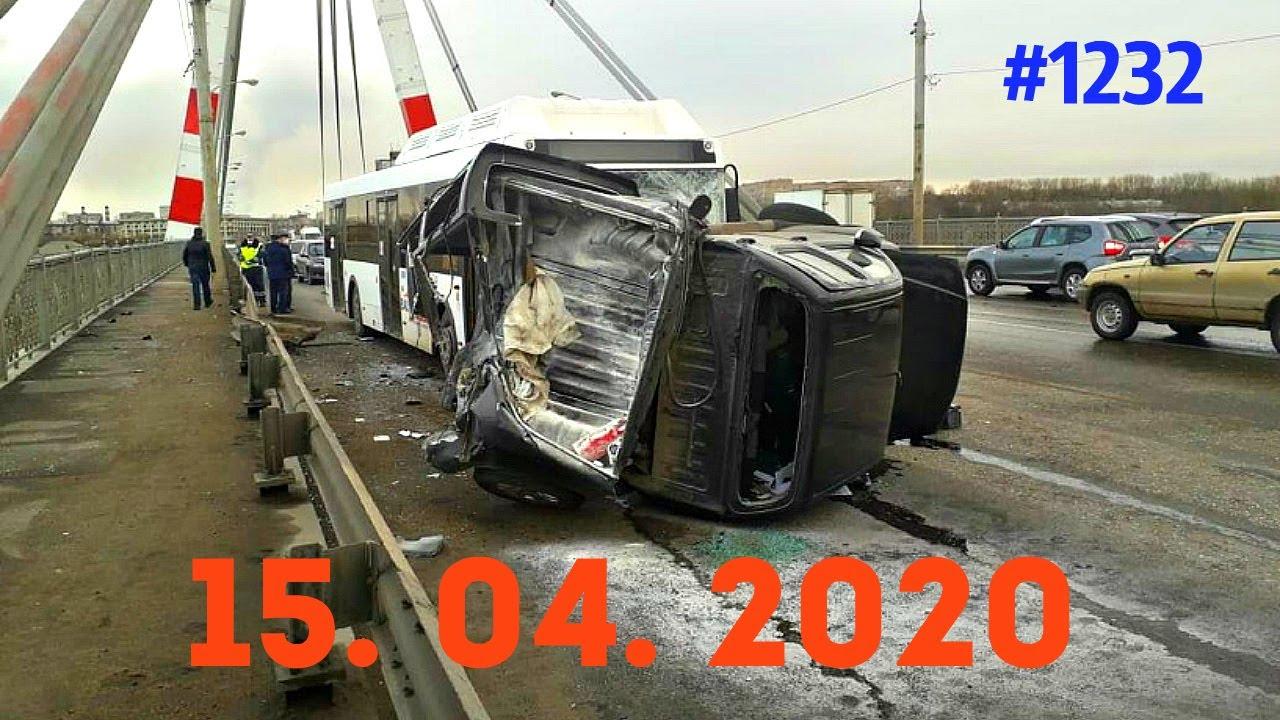 重卡玩超车一旦控制不住,就是毁天灭地啊 4.15俄罗斯车祸集锦