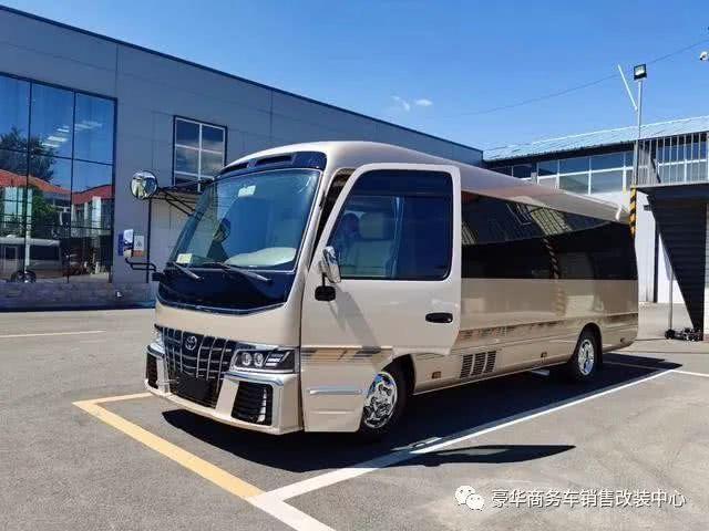 丰田考斯特16座改装价格 考斯特总裁超VIP版