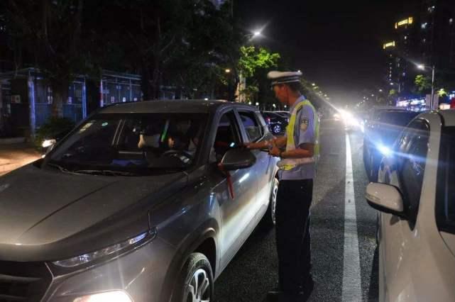 交警有些车不查,但是有些车肯定查,你知道原因在哪儿?
