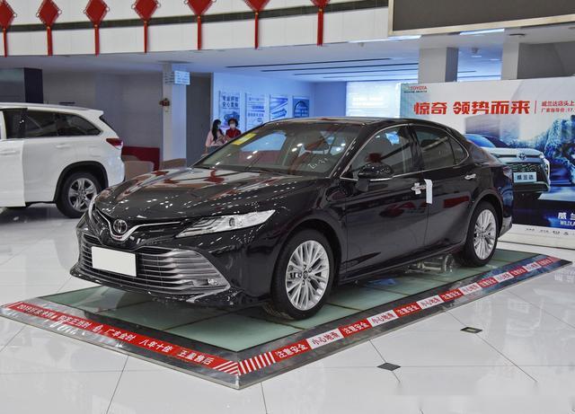 主打性价比的中型车,并不仅仅只有亚洲龙,丰田这款也是不错选择