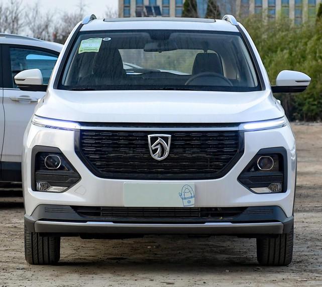 亲民的家用SUV,轴距2750mm,仅售6.58万起!