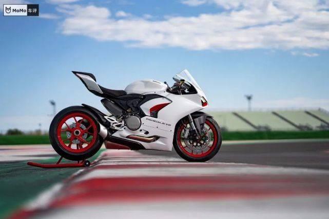 杜卡迪推出PanigaleV2白色Rosso涂装