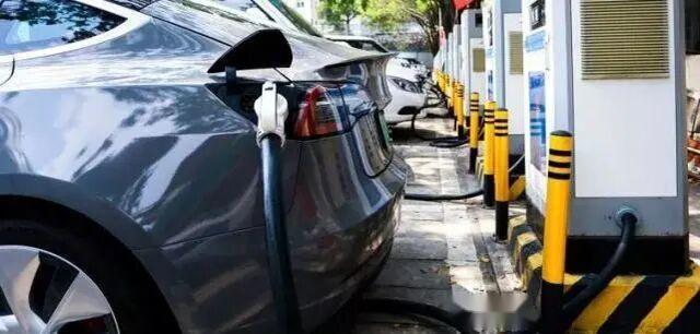 闲置汽车需要充电吗?看完这些,