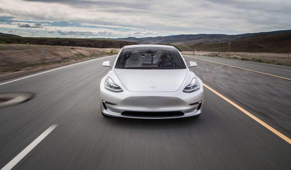 因设备故障 特斯拉延长Model S/X