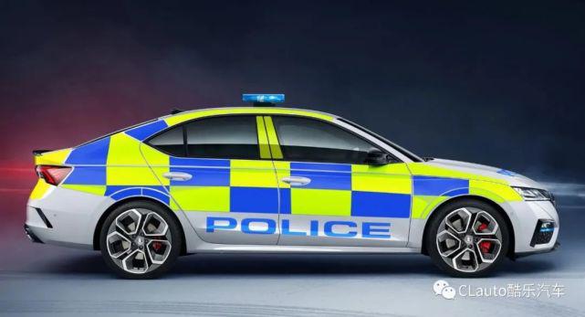 英国警方换装斯柯达Octavia RS,6.7秒破百,还可升级带空调的警犬小窝|酷乐汽车