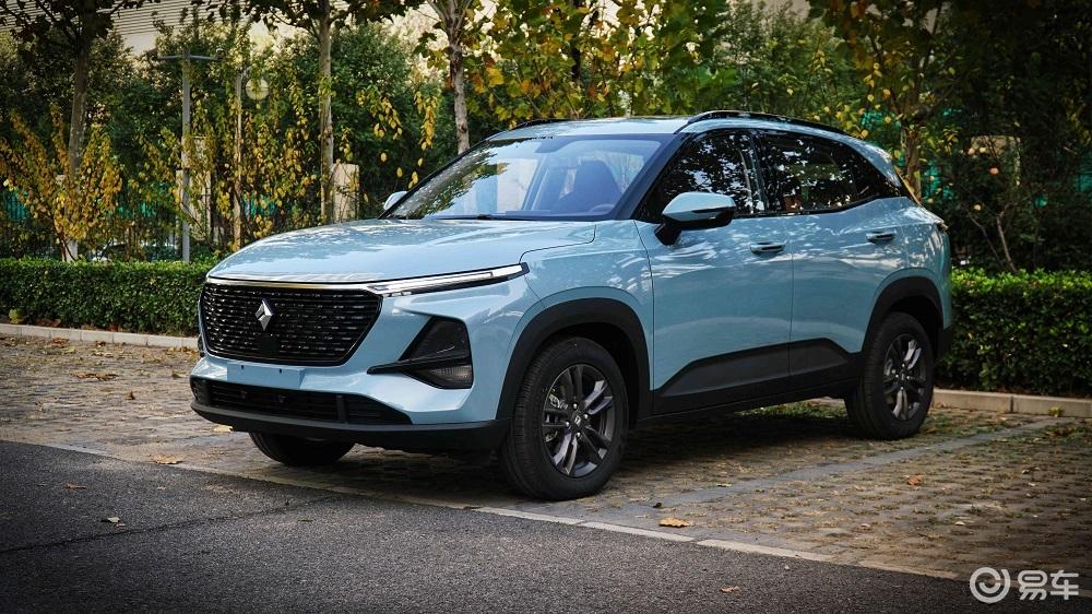 自主品牌好看的小型SUV只卖7万,新宝骏RS-3有啥魅力