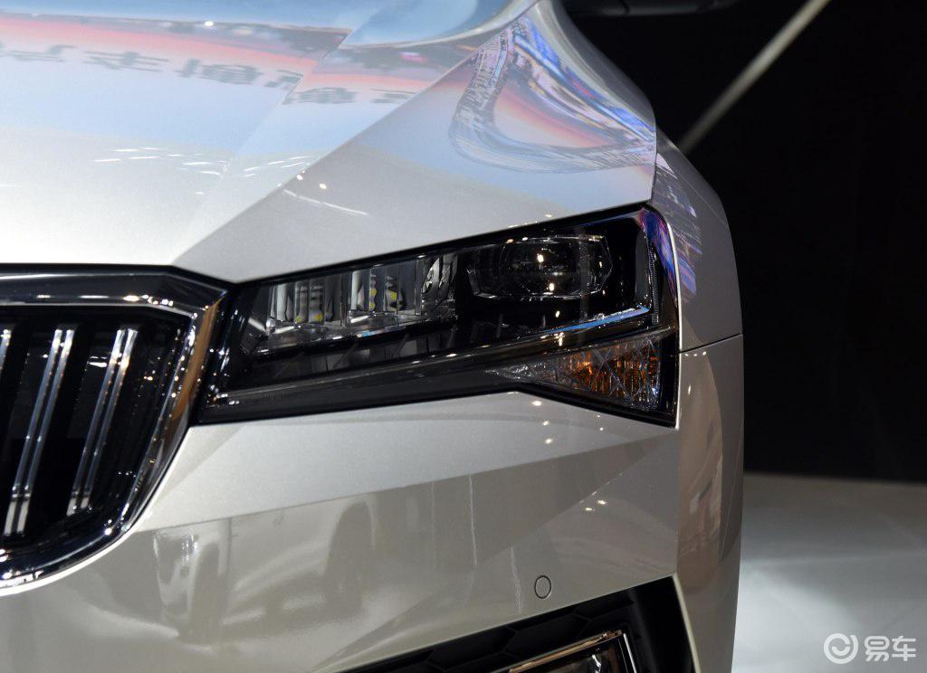 又一台德系B级车新款上市,标配LED大灯,可以放弃速腾了