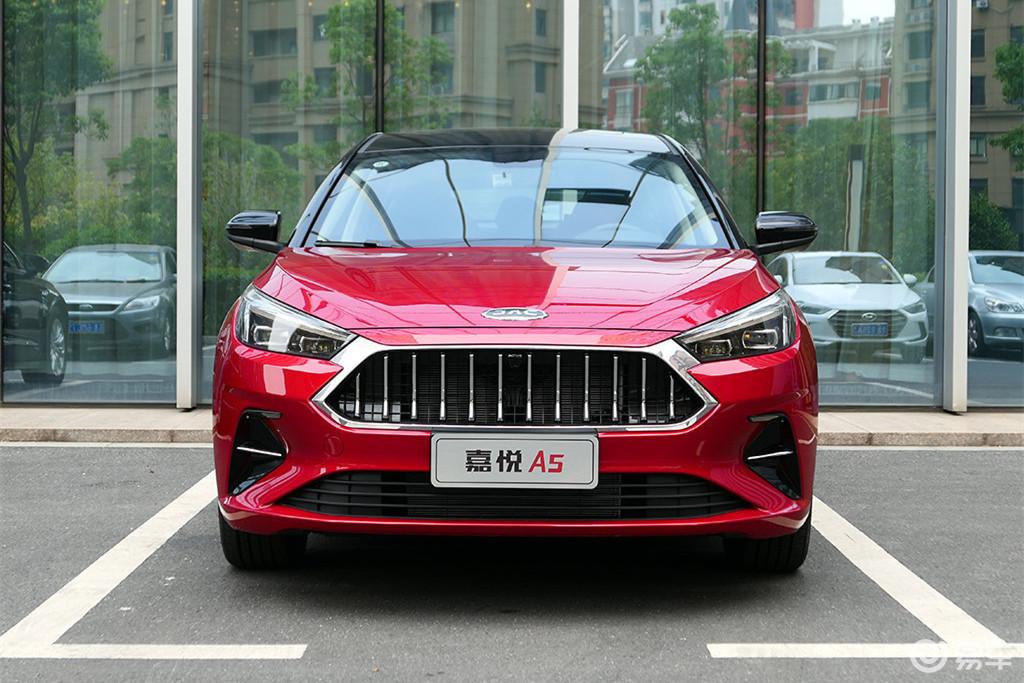 又一款国产轿车被认可,四轮独悬配1.5T,现已降至5万多