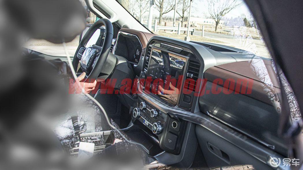 屏幕和车身一样巨大,全新福特F-150内饰清晰谍照曝光