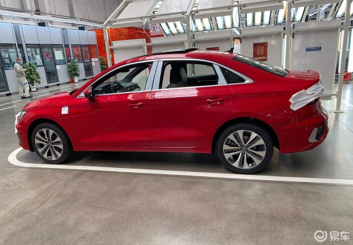 车身加长幅度较为克制,全新一代国产奥迪A3L实拍图曝光