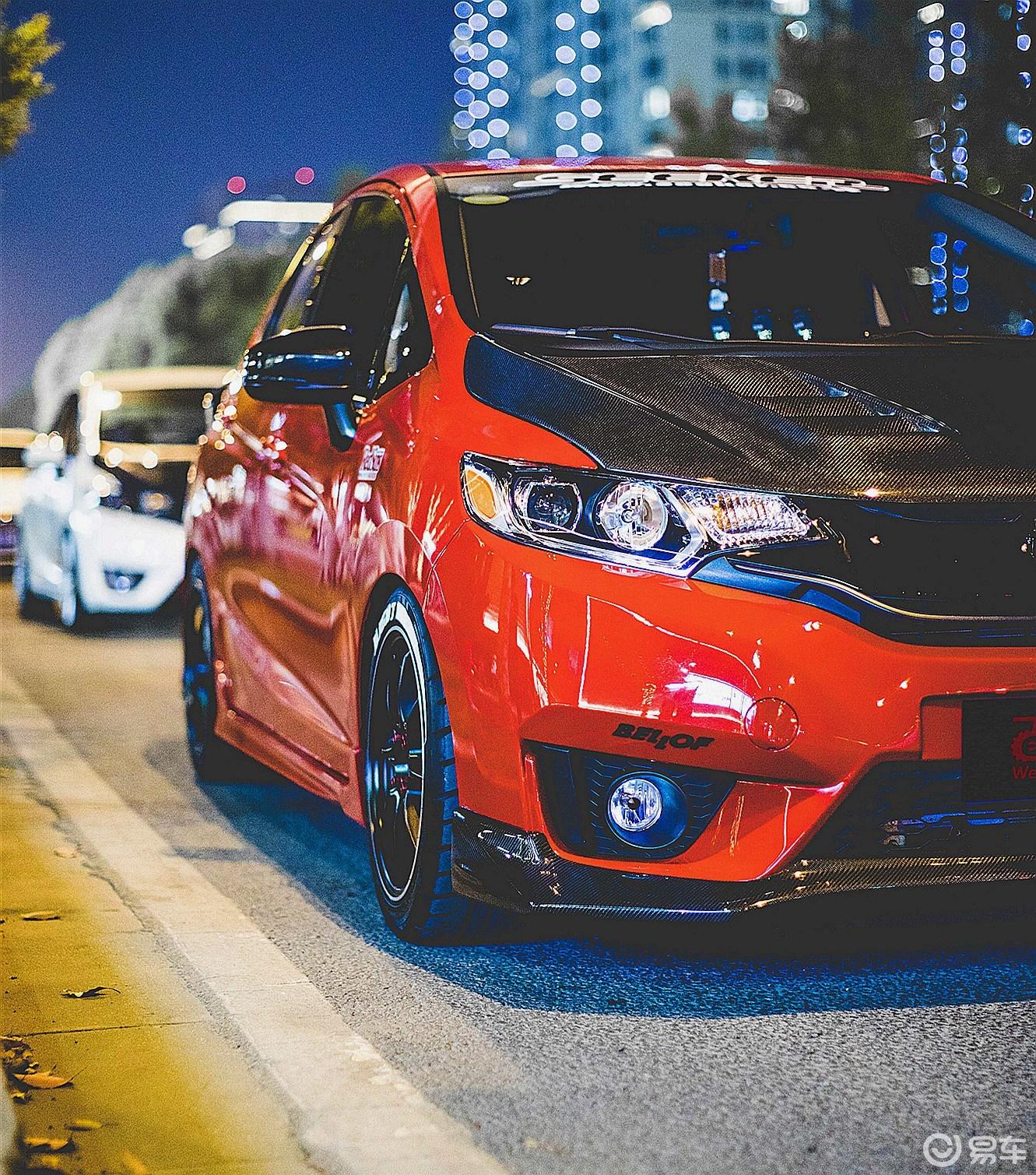 新车也能兑现情怀!骚红飞度GK5竞技性能改装!