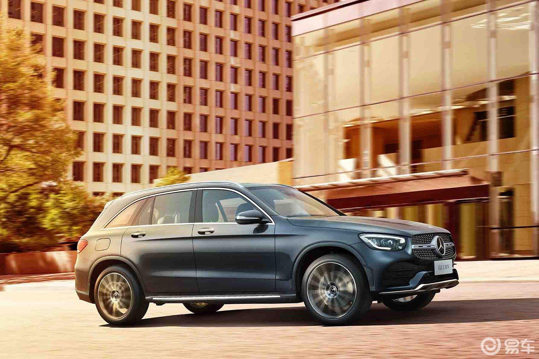奔驰GLC起价跌至35万,1月中型SUV销量第一,降价好