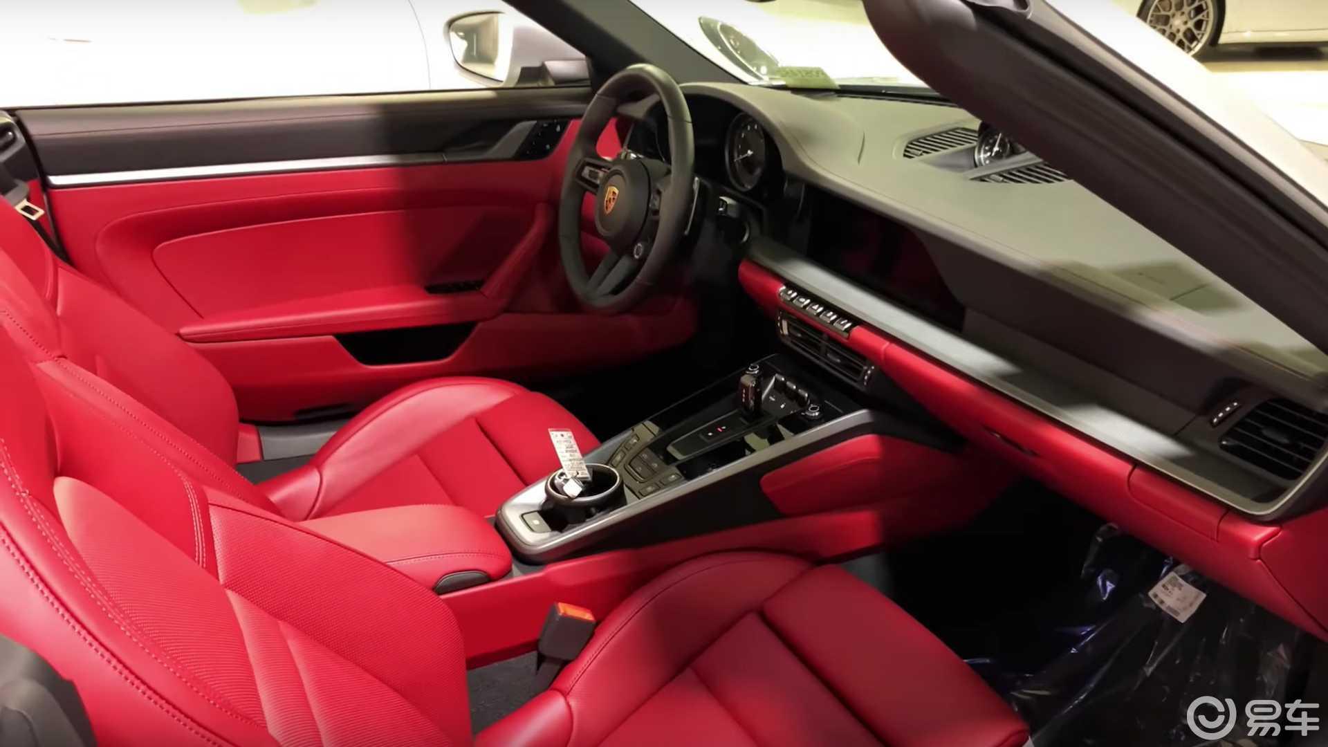 你更喜欢哪种风格?全新保时捷911五款内饰配色实拍图曝光