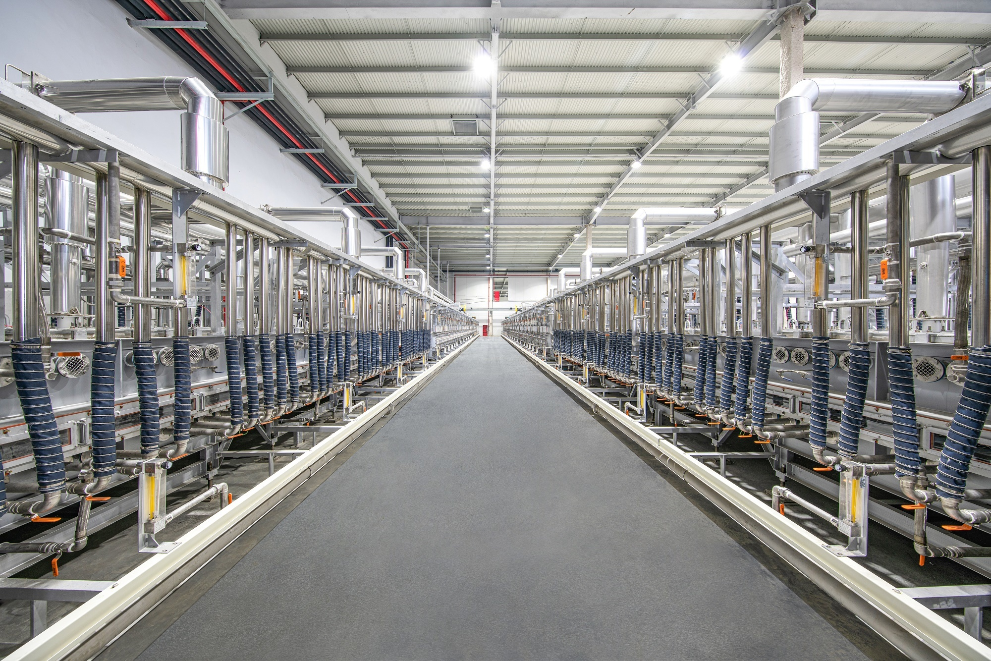 蜂巢能源无钴正极材料在常州工厂正式批量下线