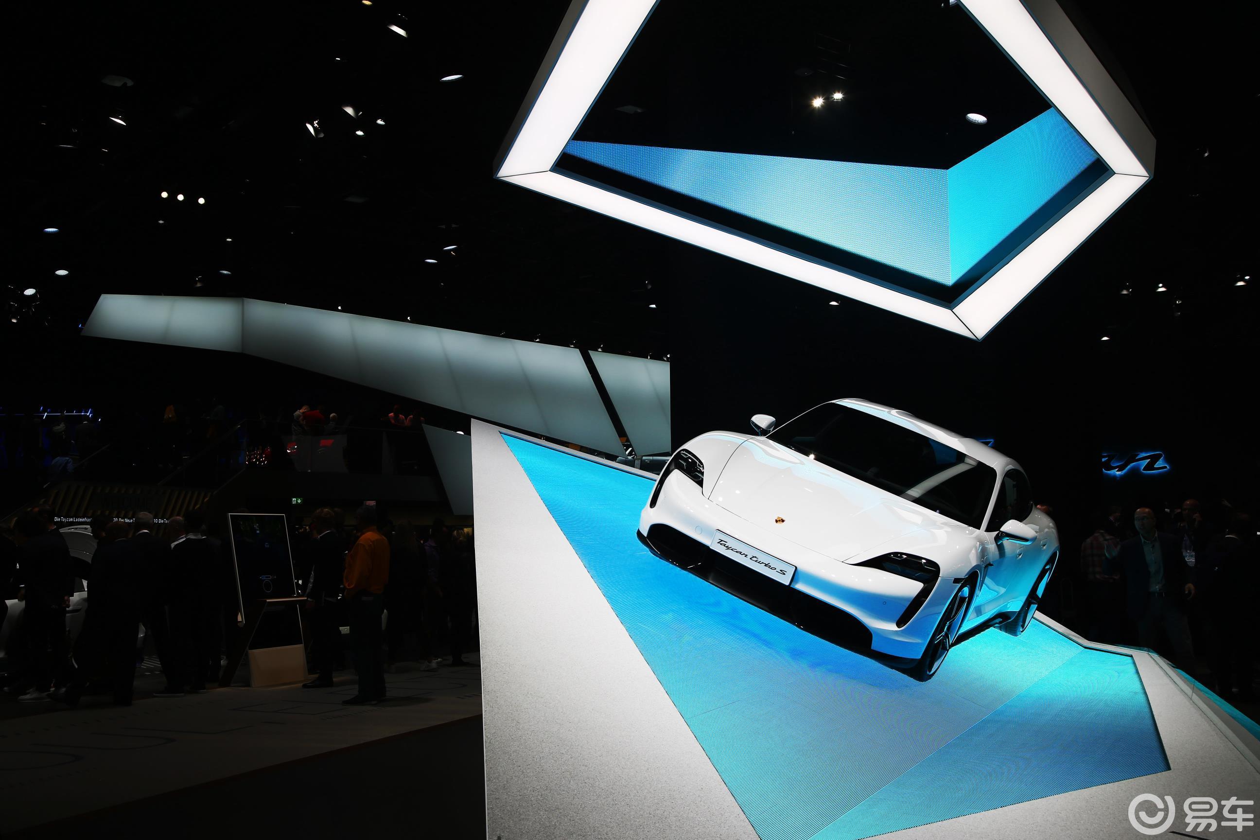 法兰克福车展值得一看的顶级新能源豪轿&超跑