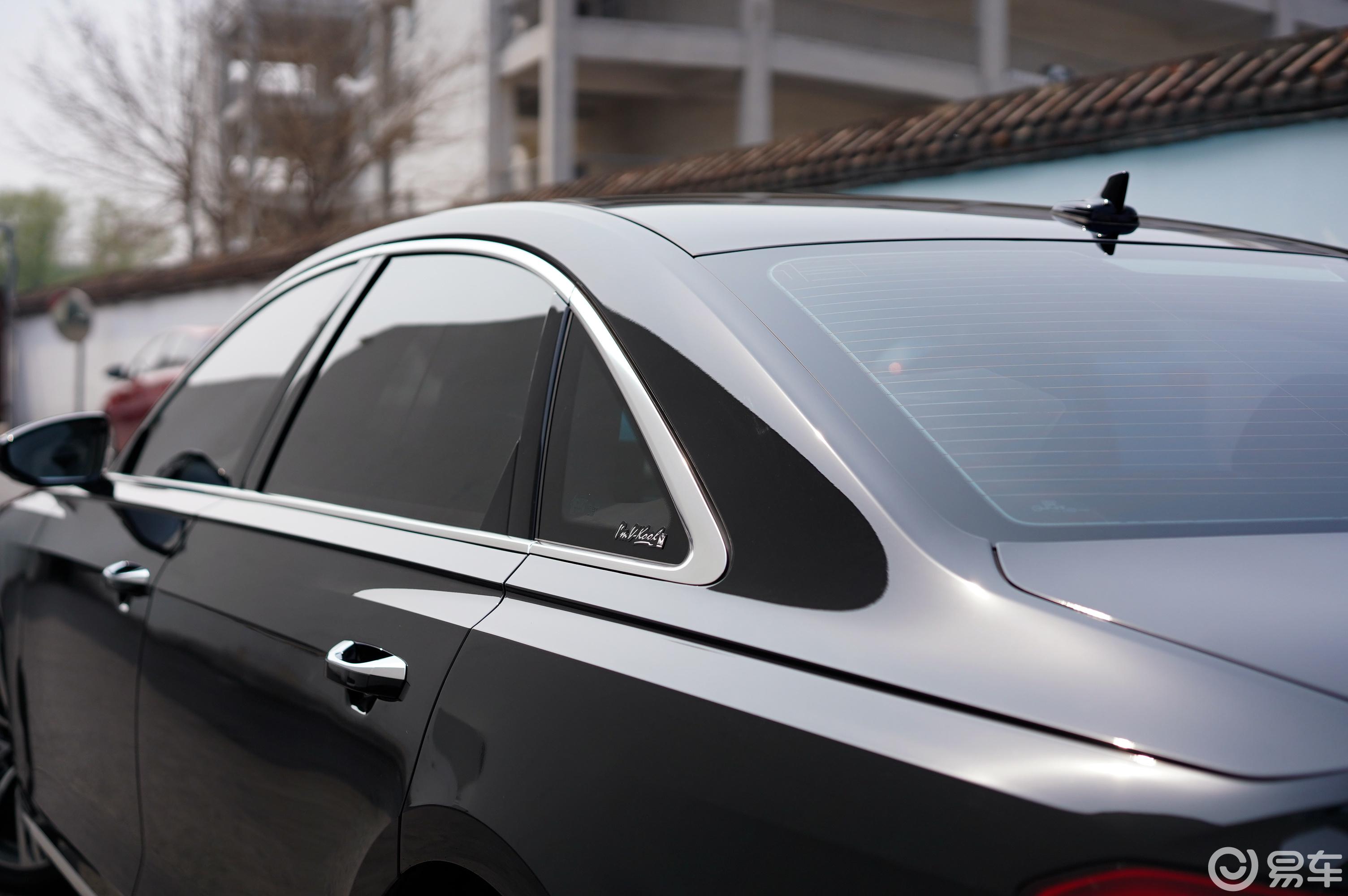 要想发挥奥迪A8车漆价值,何不贴车衣试试?