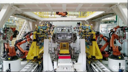中國質量認證中心專家組走進眾泰TS5生產車間