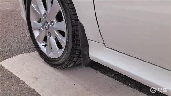 加装挡泥板之后,汽车竟然会发生这么大的变化?