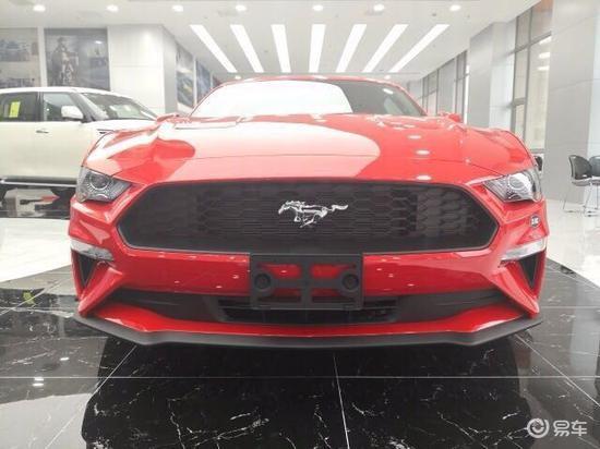新款福特野马2.3T港口批发价31万惊艳小跑车