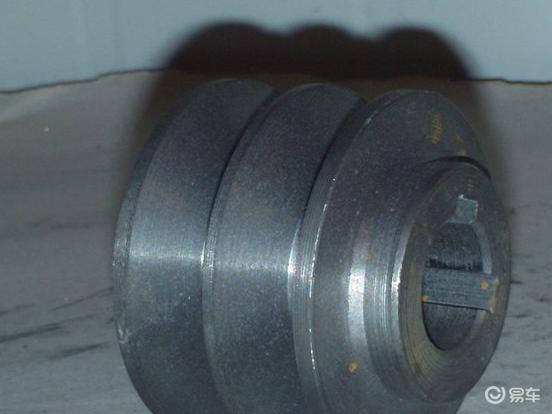 发动机皮带的日常两方面检查