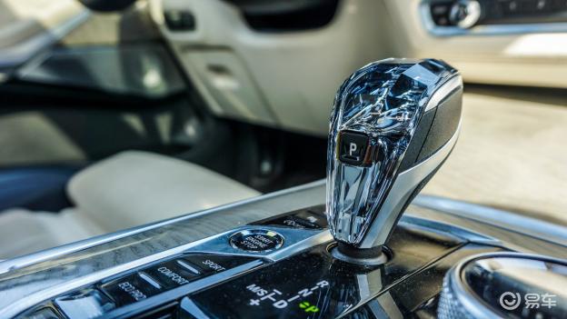 开着价值100多万的宝马全新SUV,是种什么感觉?