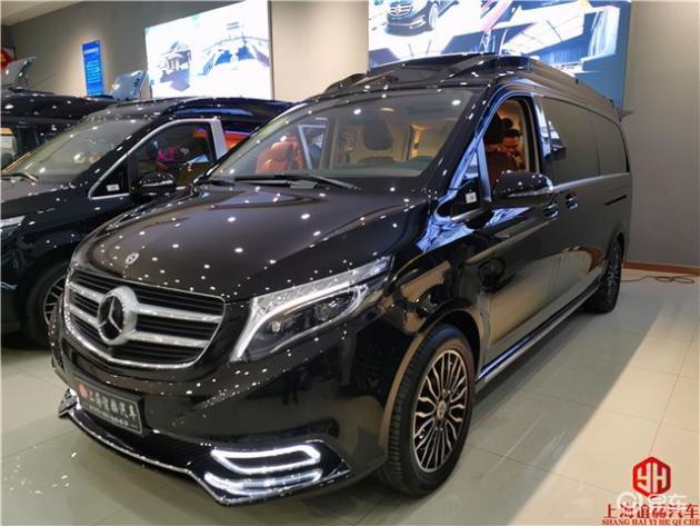 新款奔驰V260L定制镀金版七座商务车;荣耀黄金彰显实力