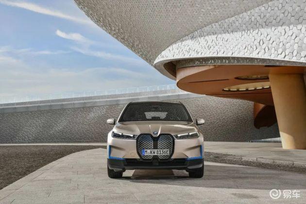 纯电动BMW iX全球首秀 零百加速不足5秒 明年上市