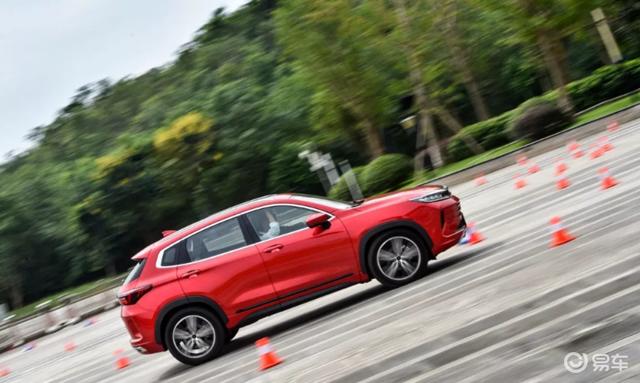 大胆叫板合资SUV,星途LX拿出国车技术流的硬核实力