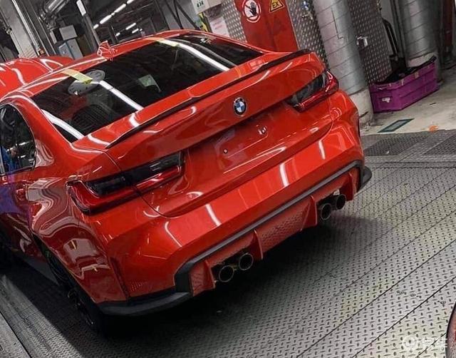 红色扩散器异常显眼,全新一代宝马M3车尾实拍图曝光
