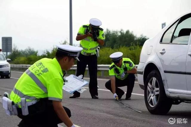 对非机动车和行人严厉执法,才是保障他们安全的有效途径