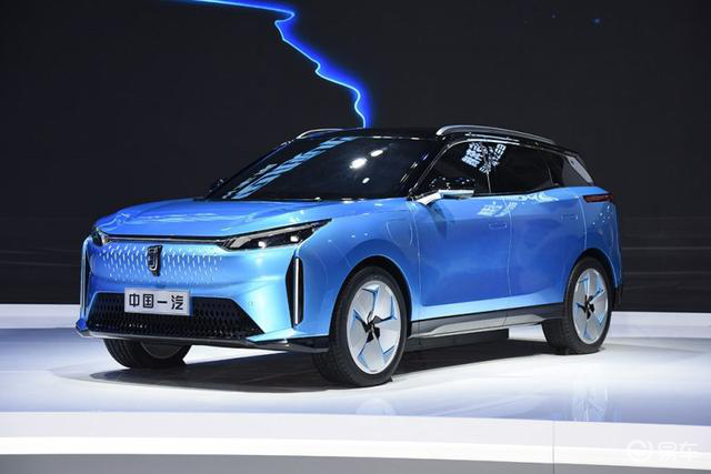 奔腾E01的实车图 预计将于7月正式上市