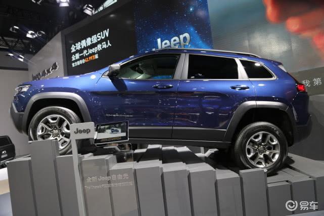 实拍全新Jeep自由光,更快,更燃,更强都市SUV!