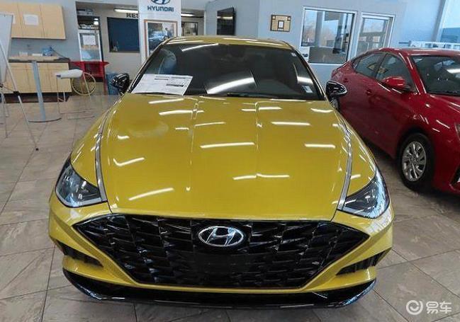 全新索纳塔到店实拍!黄色车身更潮流,或将5月正式上市