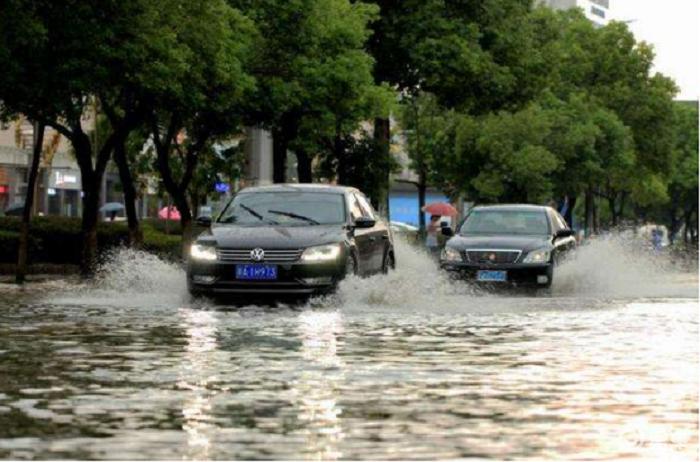 插电混动车型的涉水能力怎么样?需要买涉水险吗?